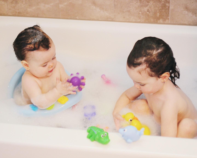 bath time baby, baby bath, baby bath , seat, bath toys, nuby bath toys, kids bathing together