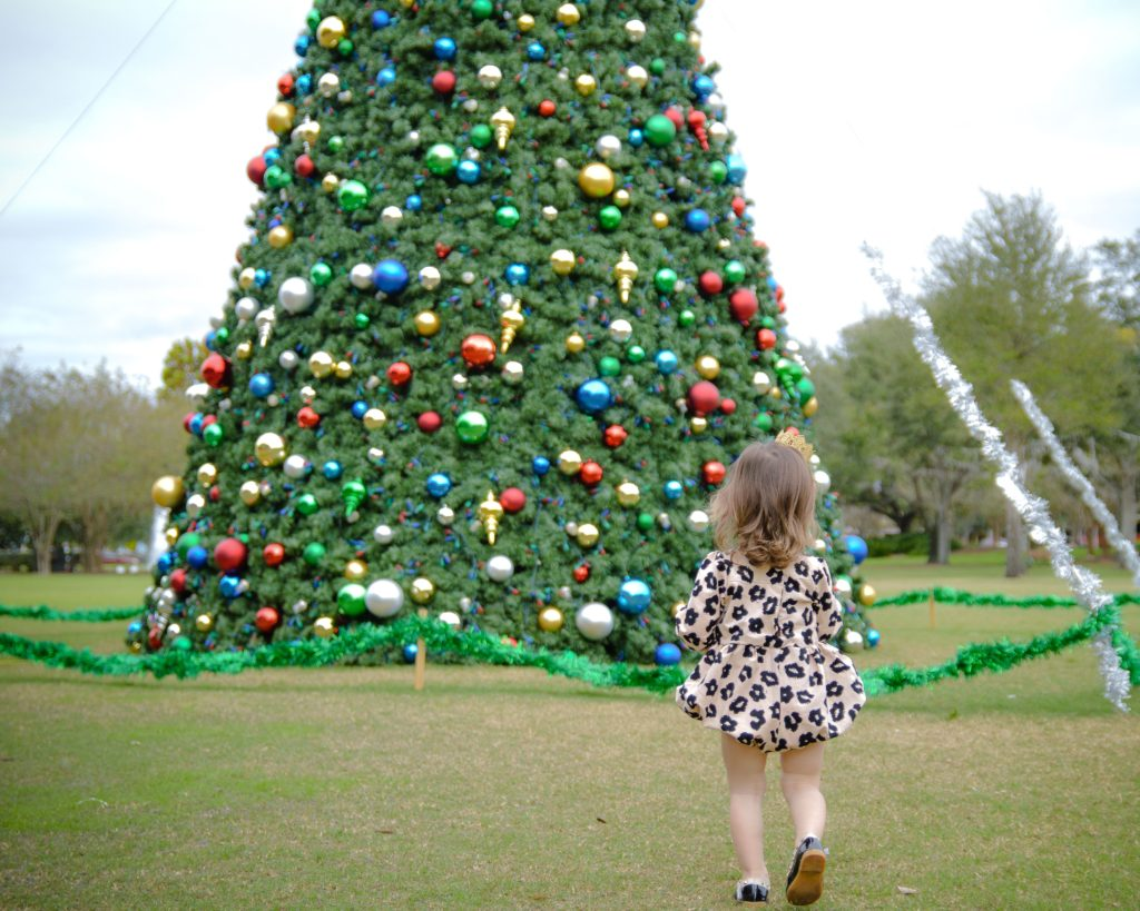 Noelle from Oh Happy Play, a Florida Motherhood blogger shares her holiday babies and story with overcoming infertility! Check it out now!
