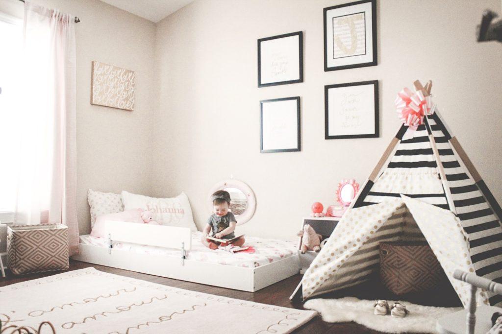 montessori floor bed, mattress on the floor, montessori themed room, teepee for toddler
