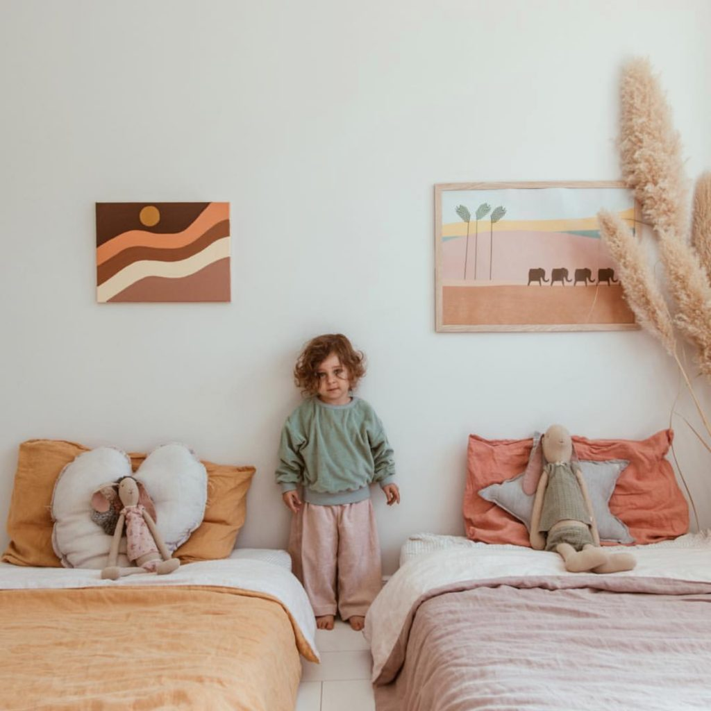 montessori floor bed, mattress on the floor, montessori themed room, shared montessori floor bed